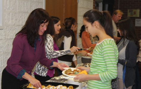 Thanksgiving Dinner brings American culture to ELL Students