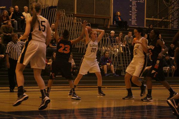 Women's basketball ends season in Regional finals