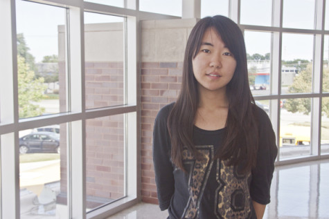 Elisa Kim: Co-Features Editor