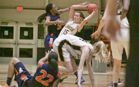 Women's basketball capitalizes on age variety
