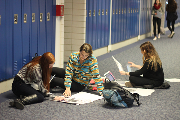 Etruscan staff conserves student memories, creates yearbook