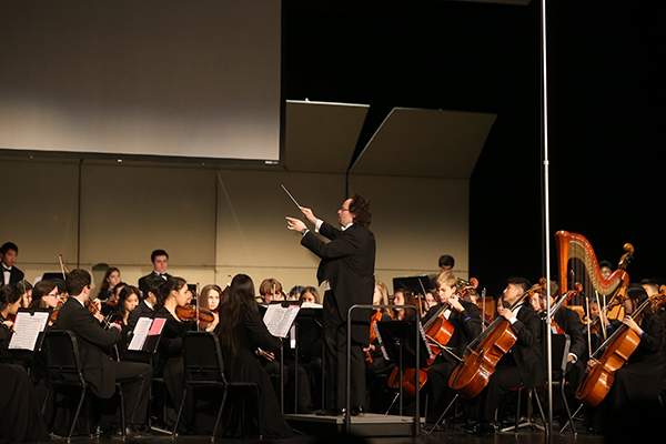 Glenbrook Symphony Orchestra performs water-themed concert, supports charity