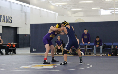 Men's wrestling aims to overcome adversity, prepare for regionals