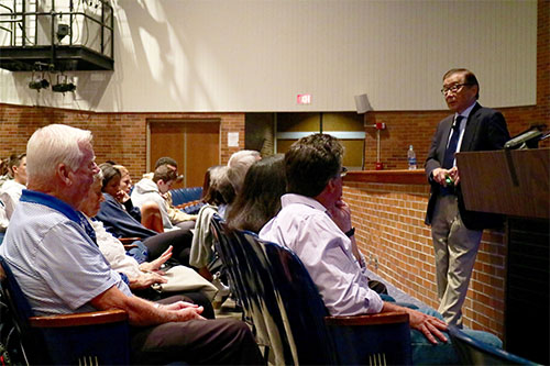 MEMORABLE MIHARA: Speaking to South students, Sam Mihara, a first-generation American with Japanese ancestry, informs others about his experiences in a World Warr II Japanese internment camp. Mihara visited South on Sept. 13 for this special address. Photo courtesy of Tara Thorne
