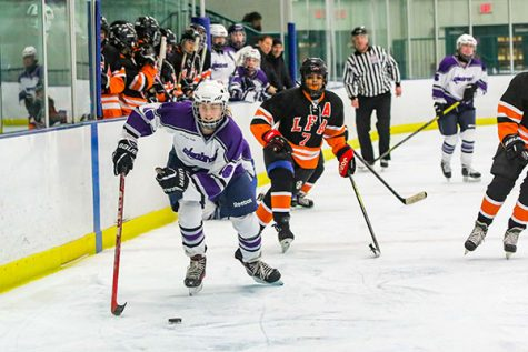 Boys' hockey works to create a strong team bond