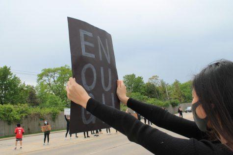 Protestors take to Glenview
