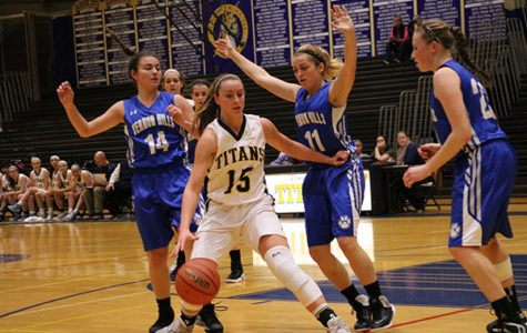 Women's basketball beats New Trier 52-45