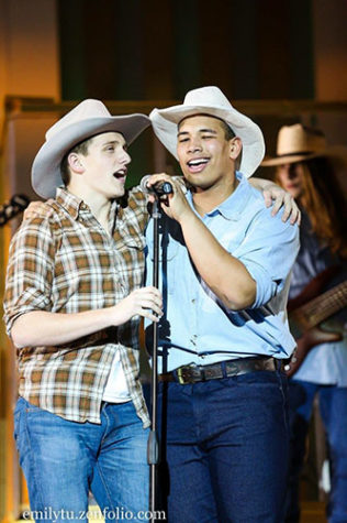 COUNTRY CANDID: Singing at Synchroicity- themed Variety Show in 2017, Zach Adams (right) is accompanied by teammate Christan Cole (left). Adams and Cole participated in the football act last year. Photo courtesy of  Emily Tu