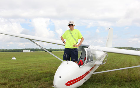 Sophomore Phillip Norton takes to the skies, pursues aviation career