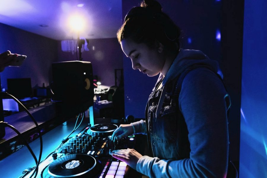 Chilling with Choumiatsky: Creating music on her DJ controller, Choumiatsky was first interested in DJing in seventh grade. She has plans to produce music as a hobby in the future.  Photo courtesy of Svetlana Choumiatsky